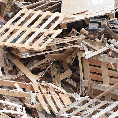 Mulde für die Entsorgung von Holzabfällen